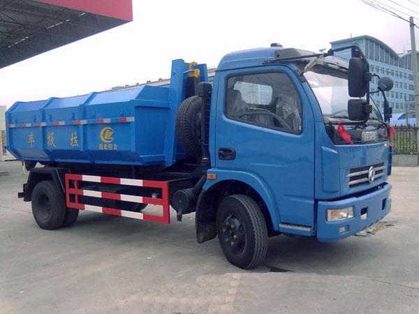 东风多利卡6方勾臂式垃圾车