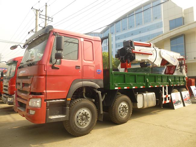 程力威160吨(可装20~160吨吊机)随车起重运输车