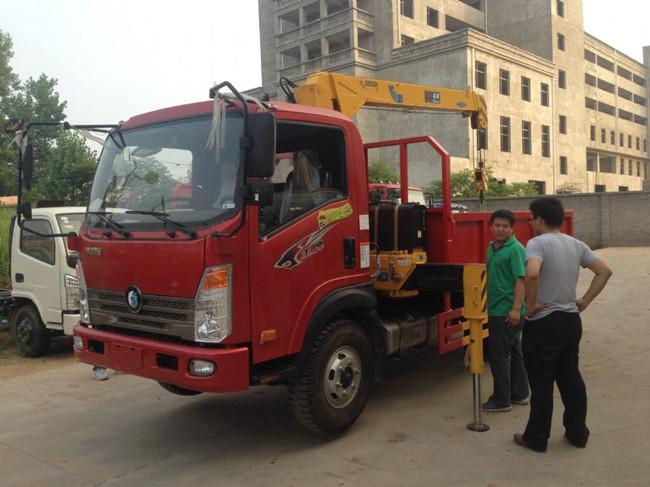 重汽王牌(可装2~6.3吨吊机)随车起重运输车