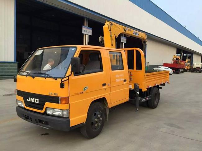 江铃双排(可装2吨~4吨)随车起重运输车