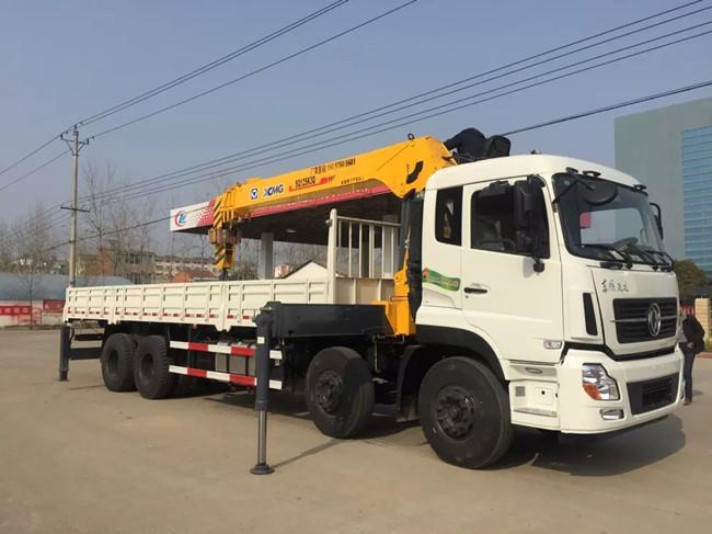 东风天东风天龙前四后八(可装6.3~16吨吊机)随车起重运输车
