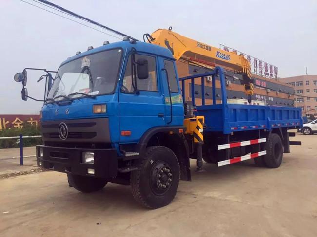 东风153(可装4~8吨吊机)随车起重运输车